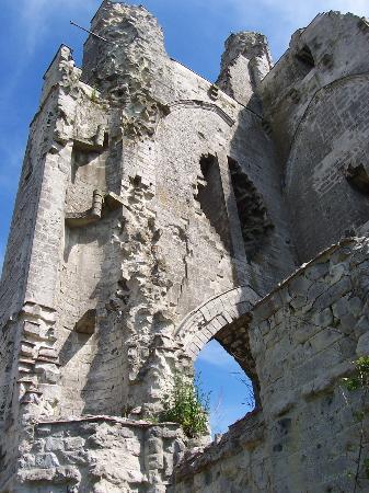 Ruines de l'Eglise d'Ablain-Saint-Nazaire: Vue intérieure du clocher