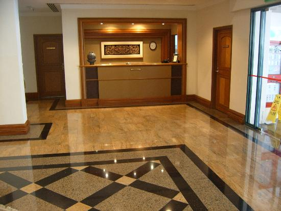 Le Grove Serviced Apartments: Foyer