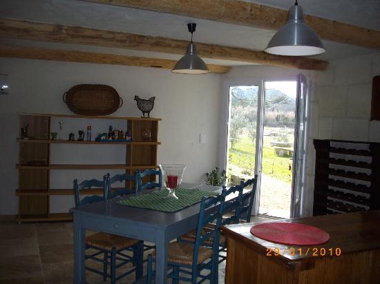 Mas de la Croix d'Arles : dining farmhouse