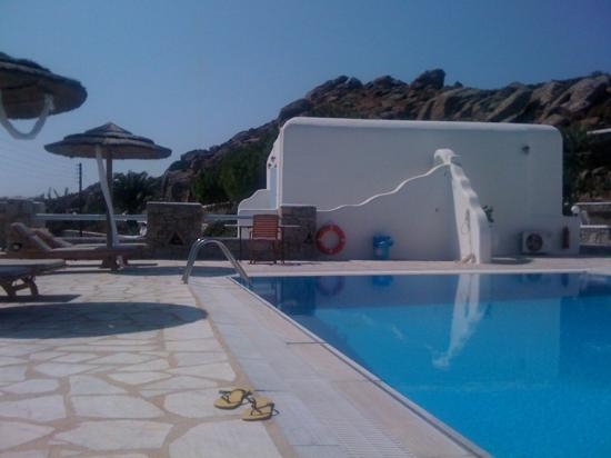 Paradise View Hotel: ΘΕΑ ΑΠΟ ΞΑΠΛΩΣΤΡΑ .. . ΠΙΣΙΝΑ