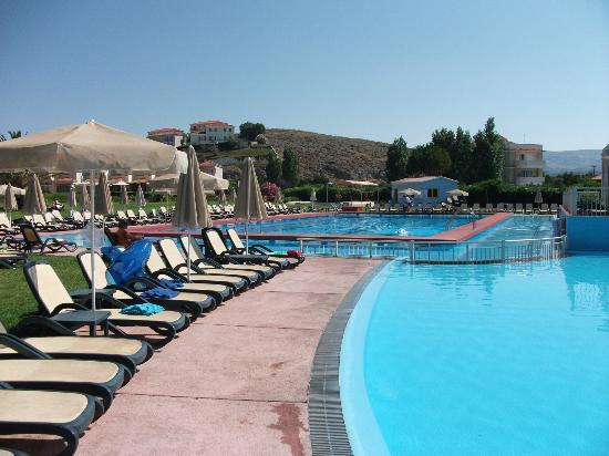 Neilson Aeolian Village Beachclub: Poolside