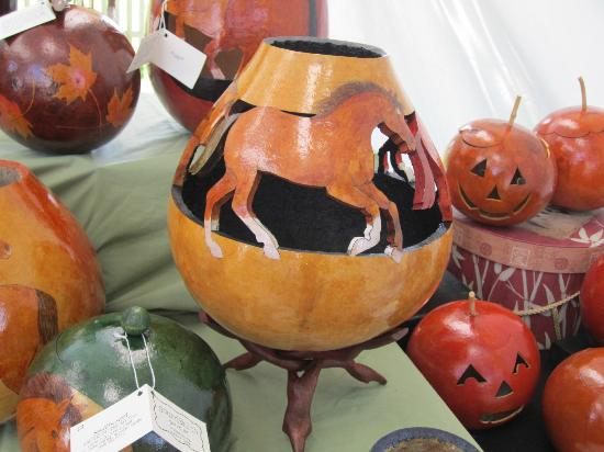 Shaker Village of Pleasant Hill - The Inn: gourd arts