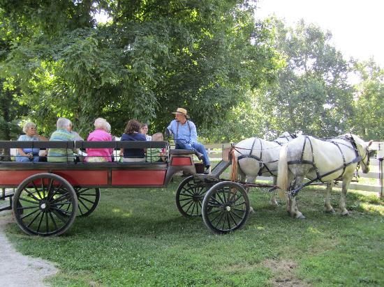Shaker Village of Pleasant Hill - The Inn: Shaker's carriage