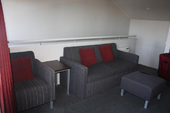 Arena Lodge: Living area