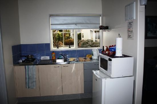 Kaikoura Cottage Motels: Kitchen