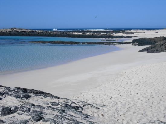 Orange Surf School: una delle spiagge più belle a soli 5 minuti da Orange House