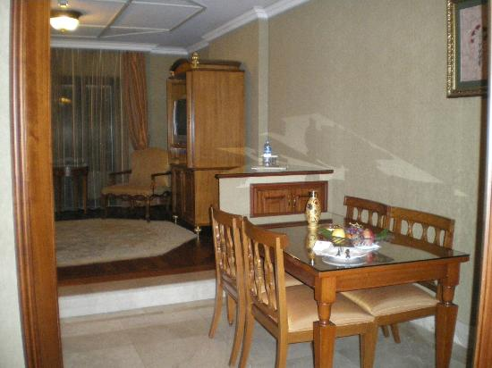 The Central Palace Hotel: room