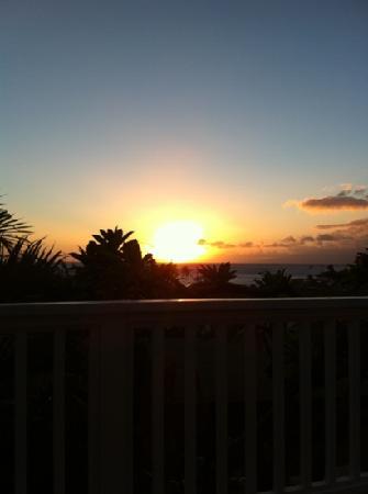 Garden Gate Inn: sunset on the room's lanai