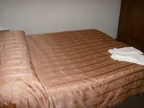Hotel Giovanna: letto camera 10