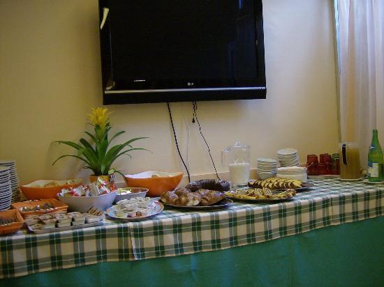 Hotel Giovanna : tavolo buffet
