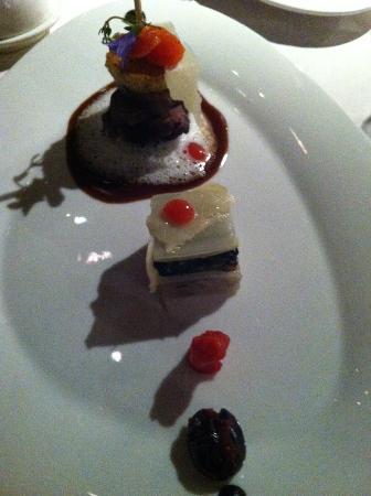 Hotel-Restaurant La Maison du Prussien : Hauptgang - Ente