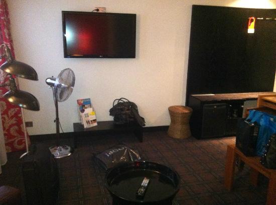 Hotel-Restaurant Schwanen: Grosszügiges Entree mit TV