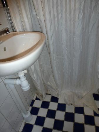 Loginn Hotel: Dusche