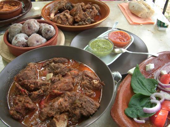 Vilaflor, Spain: La comida, típica canaria, amplias raciones, todo casero