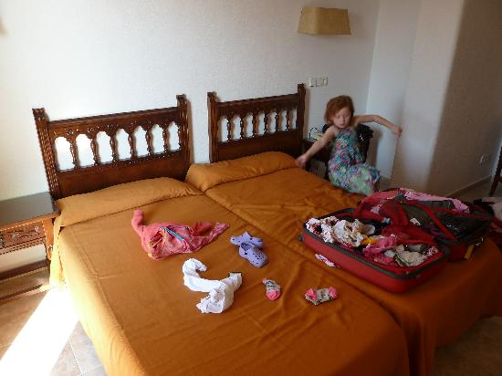 Encant Hotel: The bed moving away from our daughter