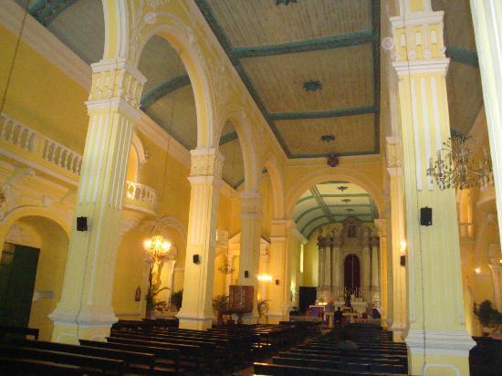 St. Augustine's Church: 内部