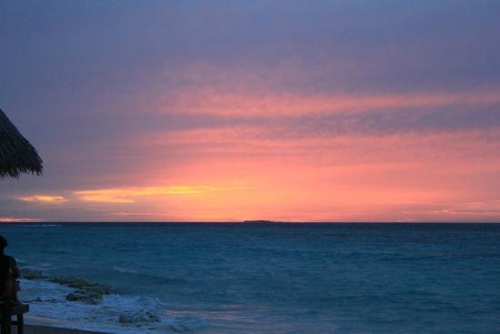 Coco Palm Dhuni Kolhu: Sunset