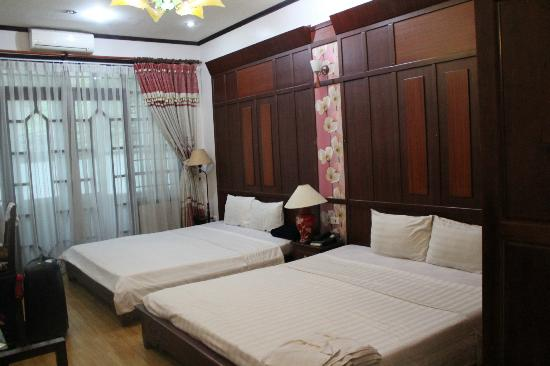 Asia Paradise Hotel: big, comfortable room