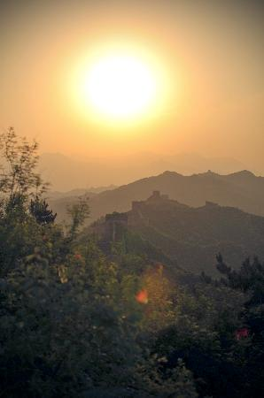 Great Wall Adventure Club : Sunset at the Great Wall