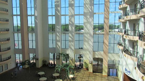 Savannah Marriott Riverfront: Blick vom Zimmer auf den überdachten Innenhof