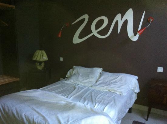 hotel restaurant la bastide: une chambre très...zen