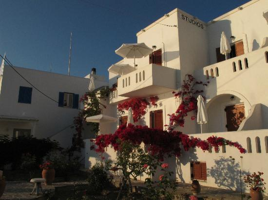 Irene Hotel and Studios: Irene Studios at Livadia beach, Parikia, Paros