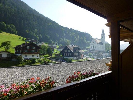 Hotel Hirschen: Aussicht Balkon Richtung Westen Zi 105