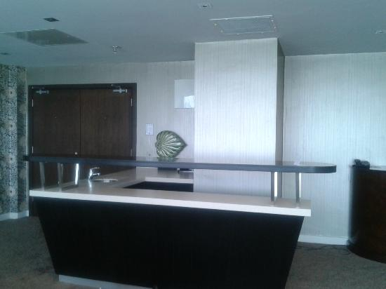 Lough Rea Hotel and Spa: kitchen