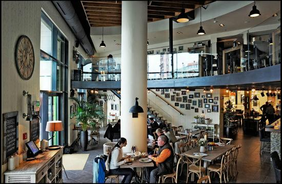 Primi Cafe Lounge & Restaurant