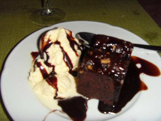 La Princessa: This chocolate brownie pudding is just fabulous! Try it.