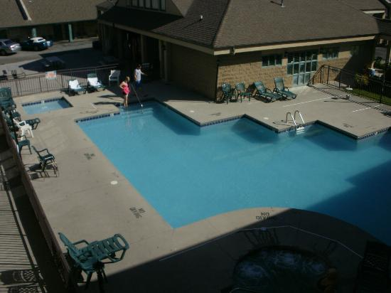 Norma Dan Motel: pool view from 3rd floor