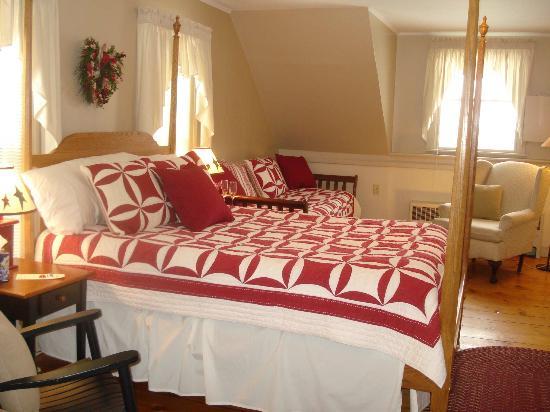 Brass Lantern Inn: Spruce Peak Room