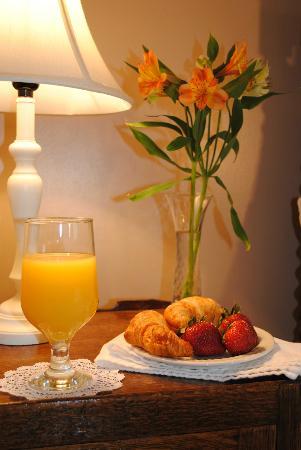 Brass Lantern Inn: Good Morning!