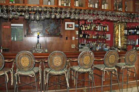 The Historic Peninsula Inn & Spa: Bar