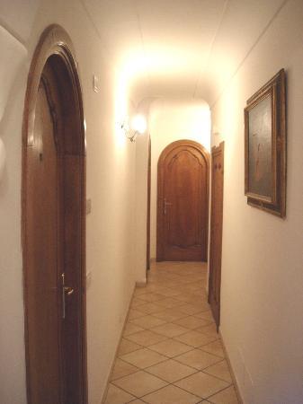 Villa Palumbo B&B: corridoio