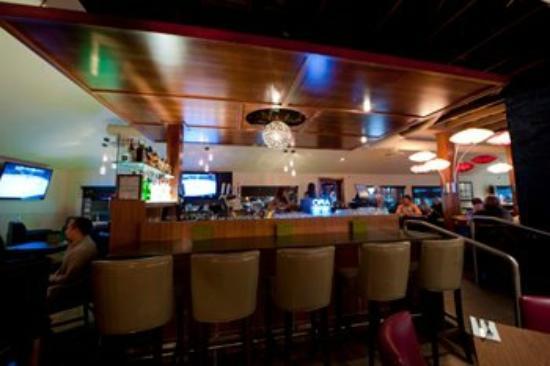 Ora Restaurant: interior bar/lounge