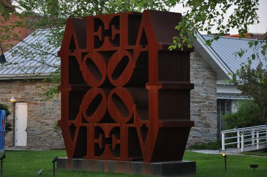 Farnsworth Art Museum : Robert Indiana Sculpture
