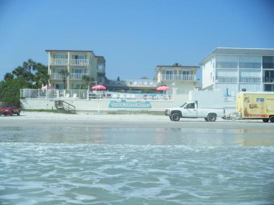 Sand Castle Motel: View from Ocean!