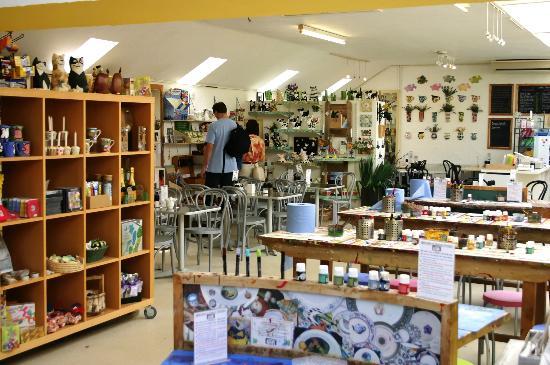Dalton Pottery Art Cafe: Cafe and Shop