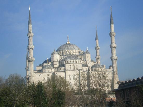 Blue Tuana Hotel: View from terrace - Blue Mosque
