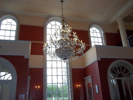 Galway Irish Crystal Heritage Centre: Crystal Chandelier