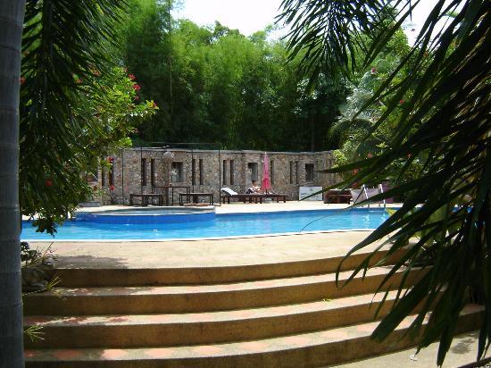 Samui Garden Home: Piscine avec yacuzzi