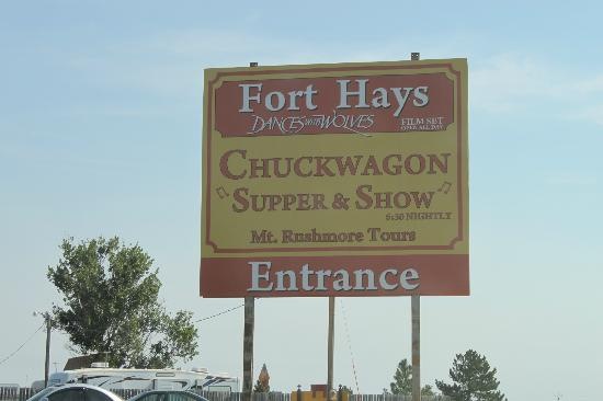‪Fort Hays Chuckwagon Supper & Cowboy Music Show‬
