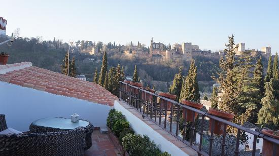 Solar Montes Claros: View of Alhambra from Saba room