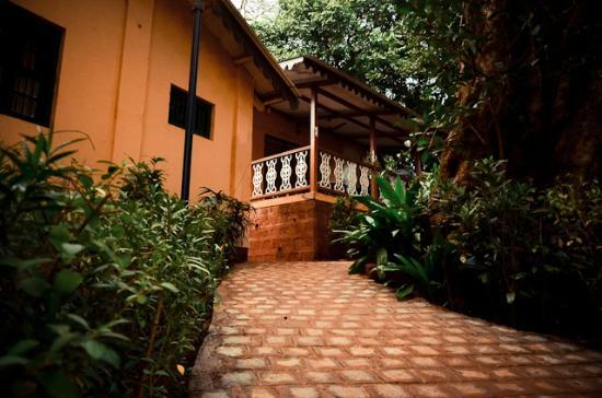 Radha Cottage: Modern Duplex Suites