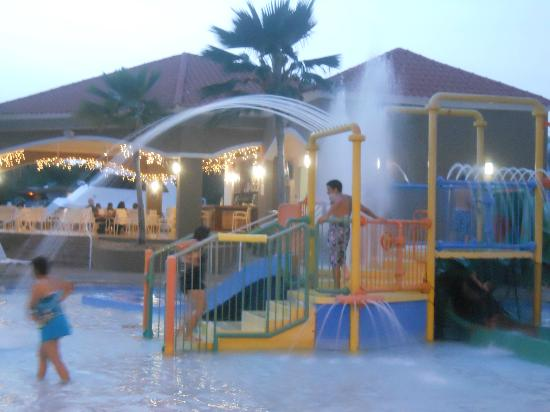 Aquarius Vacation Club: parque acuatico piscina y restaurante