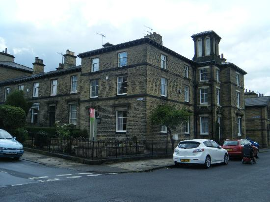 Saltaire Village: What a fabulous house