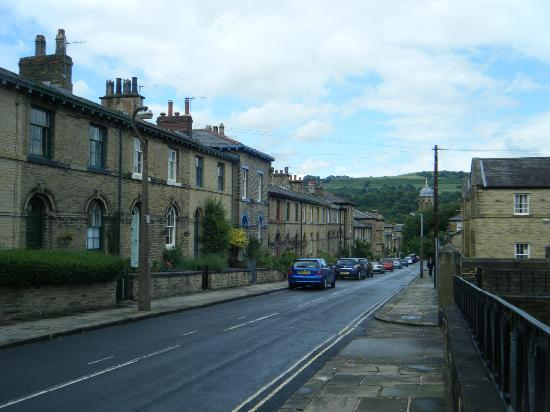 Saltaire Village: Another street view