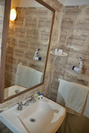 Hotel de Sal Luna Salada: Baño