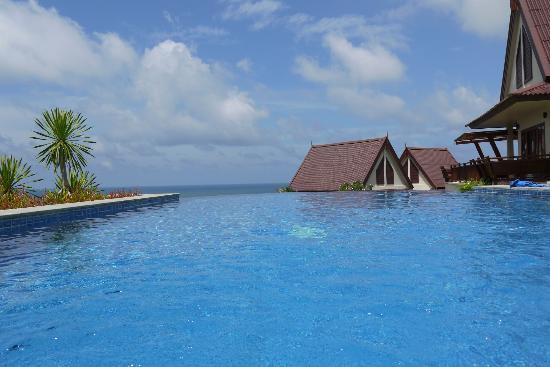 Baan KanTiang See Villa Resort (2 bedroom villas): Pool